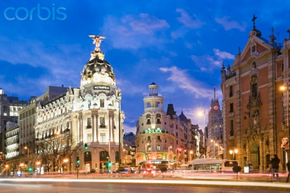Crossroad between Calle de Alcala and Gran Via with Hotel Metropolis in the middle, Calle de Alcala